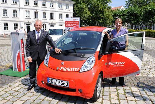 Peugeot-Ion-Elektroauto-Ministerpraesident-Peter-Mueller-Dr--Simone-Peter-Bahnchef-Dr--Ruediger-Grube-Saarland-Deutsche-Bahn-Carsharing-f498x333-F4F4F2-C-ecb68018-376009
