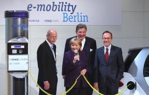 Der Gesetzgeber ist gefordert die rechtliche Rahmenbedingungen zu schaffen   Quelle: Daimler